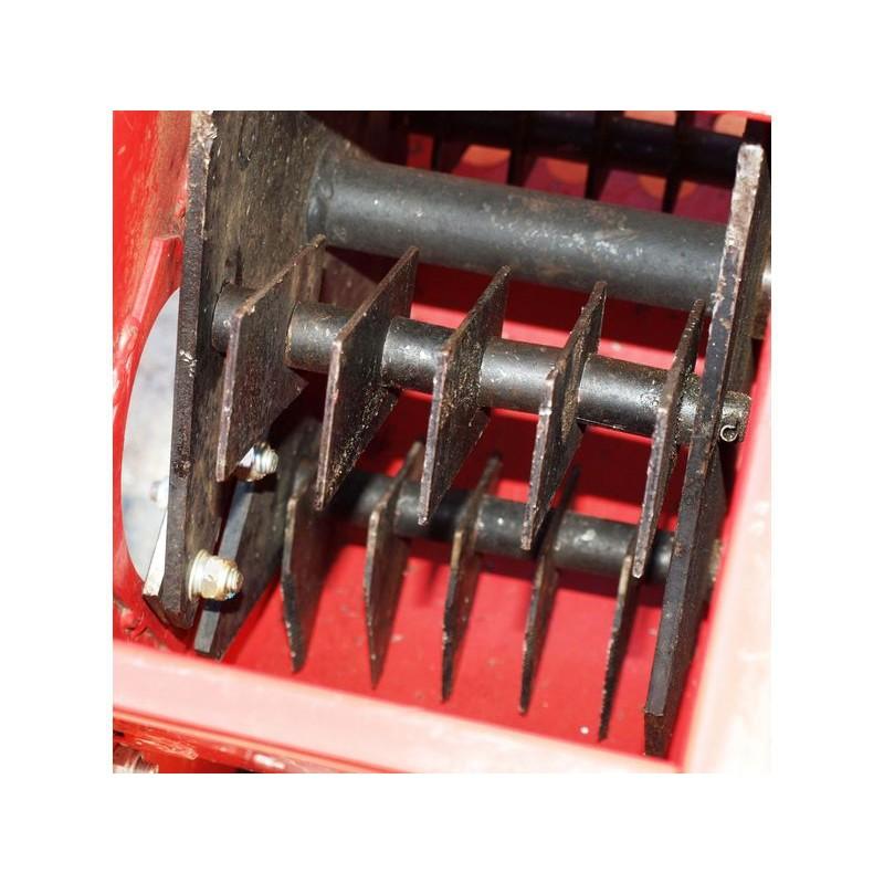 broyeur de v g taux thermique tractable sp cial brf 13 cv couteaux marteaux. Black Bedroom Furniture Sets. Home Design Ideas